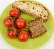 Pane Mediterraneo e pomodoro di dieta fotografie stock