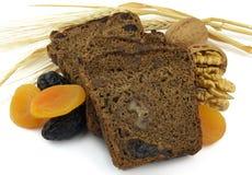 Pane nero con frutta Fotografie Stock
