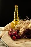 Pane, olio d'oliva e pomodoro Fotografia Stock Libera da Diritti