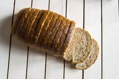 Pane sano del grano intero, pane nero, pane nero turco, immagini di pane nei concetti differenti, Fotografie Stock