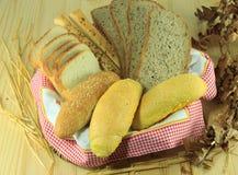 Pane su un fondo di legno Fotografia Stock