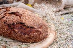 Pane su un vassoio di legno Immagine Stock