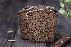 Pane sulla tavola di legno d'annata Immagini Stock Libere da Diritti