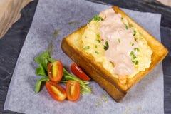 Pane tostato del miele della maionese Fotografie Stock