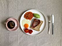 pane tostato dell'uovo e del bacon fotografia stock libera da diritti