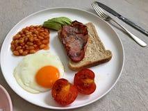 pane tostato dell'uovo e del bacon immagini stock libere da diritti