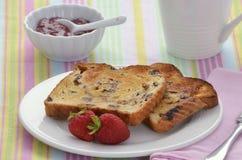 Pane tostato dell'uva passa Fotografia Stock Libera da Diritti