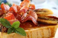 Pane tostato della banana della pancetta affumicata Immagini Stock Libere da Diritti