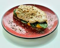 Pane tostato della segale con il seno di tacchino Fotografia Stock Libera da Diritti