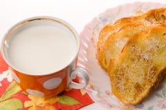 Pane tostato e latte Immagine Stock Libera da Diritti