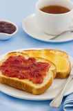 Pane tostato e tè Immagine Stock Libera da Diritti