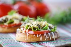 Pane tostato fritto con i funghi Fotografia Stock