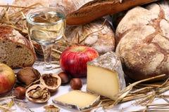 Pane, vino, formaggio Immagine Stock