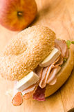 Panecillo delicioso del jamón y del queso Imagenes de archivo