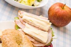Panecillo delicioso del jamón y del queso Imagen de archivo libre de regalías