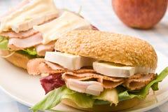 Panecillo delicioso del jamón y del queso Foto de archivo libre de regalías