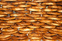 Panecillos turcos - simit Fotografía de archivo libre de regalías