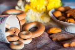 Panecillos y galletas Fotos de archivo libres de regalías