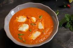 Paneer-Butter-masala mit murmeln indischen Curry lizenzfreies stockfoto