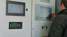Panel de control de la bio central térmico del gas almacen de metraje de vídeo