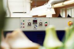 Panel de control de la máquina con el indicador de la temperatura Fotografía de archivo