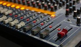 Panel de control del mezclador sano de la música fotografía de archivo libre de regalías