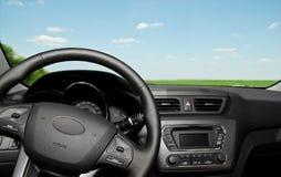 Panel de control y rueda interiores del coche Fotografía de archivo libre de regalías