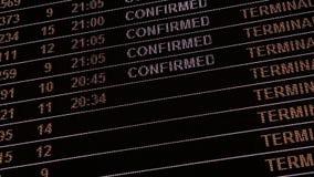 Panel de l'information d'arrivée de vol de l'aéroport 4K banque de vidéos
