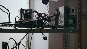 Panel för kugge för nätverksserver med hårddiskar i a arkivfilmer