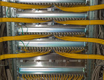 Panel för IT-nätverkslapp i en datorhall Arkivbild