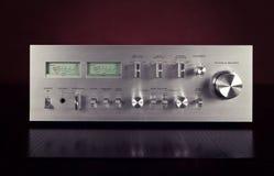 Panel för stereo- förstärkare för tappning Frontal med VU-meter Fotografering för Bildbyråer