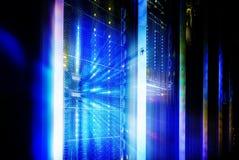 Panel för supercomputers för abstraktionutsidaexponering i serverrummet royaltyfri foto