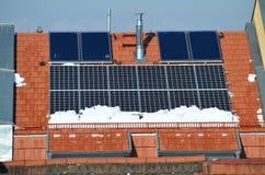 Panel słoneczny na dachu w zimie Obraz Stock