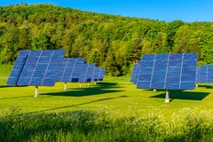 Panel Słoneczny w polu w Vermont usa Zdjęcia Royalty Free