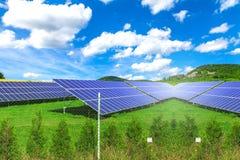 Panel słoneczny z pogodnym niebem Fotografia Royalty Free