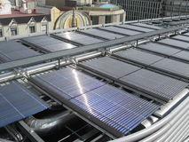 paneler roof den sol- överkanten arkivbilder