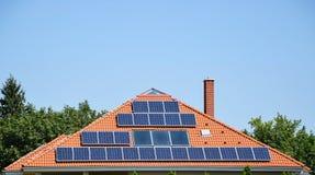 paneler roof sol- Royaltyfria Bilder