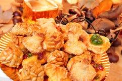 Panellets et tout autre casse-croûte typique mangés dans tout le jour de saints chez le chat Photographie stock