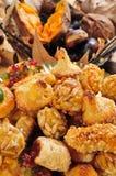 Panellets típico de Cataluña y de p asado del castaña y dulce Imágenes de archivo libres de regalías