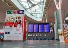 Panels de l'information à l'aéroport de KLIA, Malaisie Photographie stock