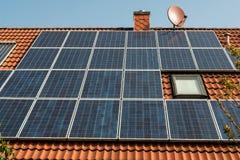 panels det sol- röda taket Royaltyfri Foto