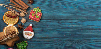 Panes de jengibre por Años Nuevos y la Navidad Imágenes de archivo libres de regalías