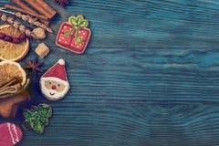 Panes de jengibre por Años Nuevos y la Navidad Fotografía de archivo