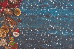 Panes de jengibre por Años Nuevos y la Navidad Fotografía de archivo libre de regalías