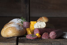 Panes del pan del queso del salami Imagenes de archivo