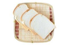 Panes en la cesta de bambú Fotos de archivo libres de regalías