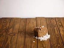 Panes mezclados hechos en casa presentados para la venta Foto de archivo