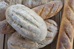 Panes y Baguettes rústicos del pan Fotografía de archivo