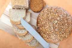 Panes y cuchillo Imagenes de archivo