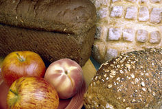 Panes y fruta Imagen de archivo